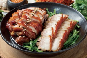 boiled pork belly trotter