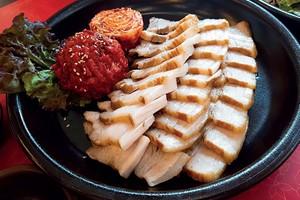 boiled pork belly w kimchi